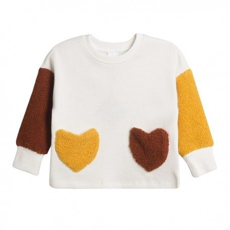 Children's sweatshirt for girl with heart-shaped pockets